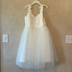 FLOWER GIRL Dress and FLOWER BASKET Sz 5/6 NEW